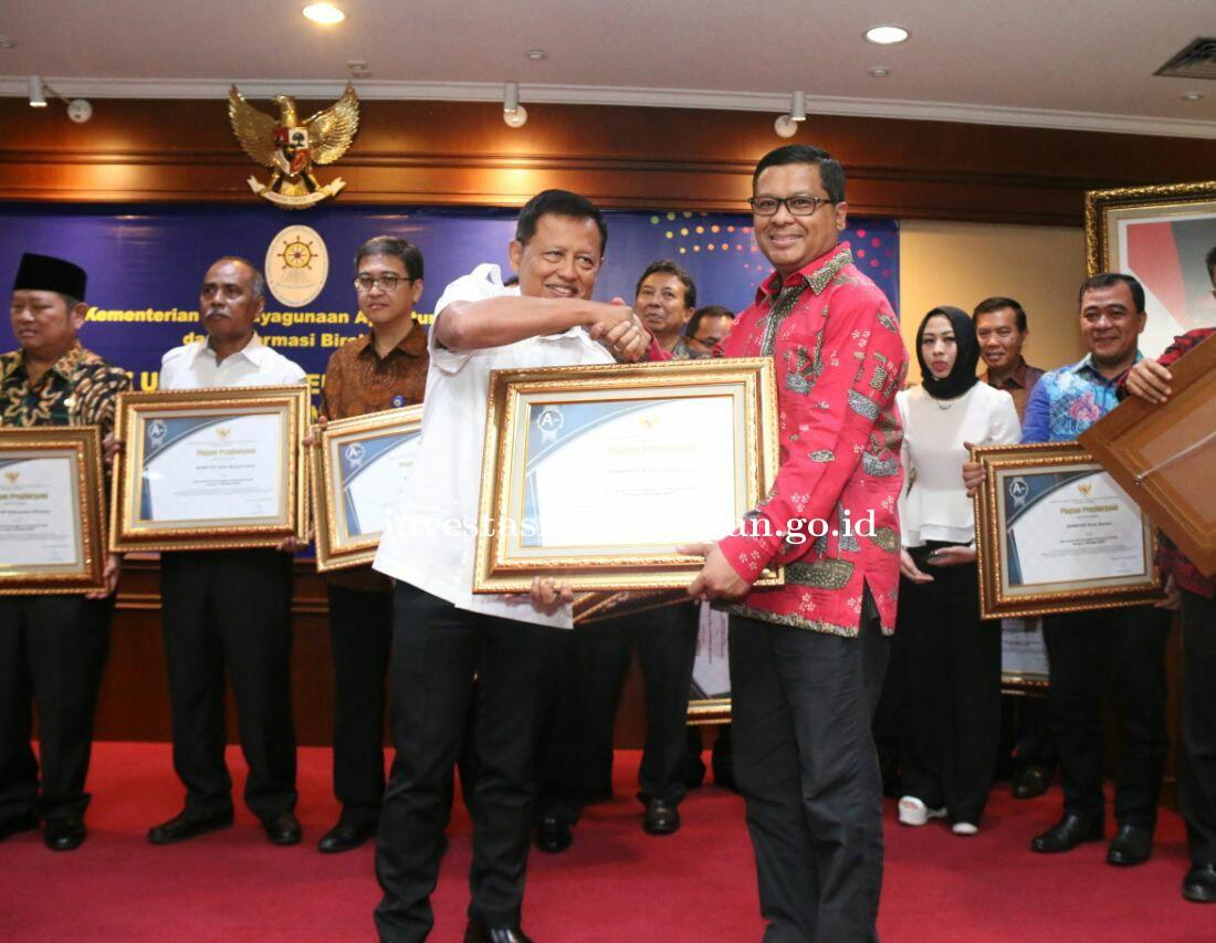 DPMPT Kota Balikpapan Raih Penyelenggara Pelayanan Publik Kategori Sangat Baik